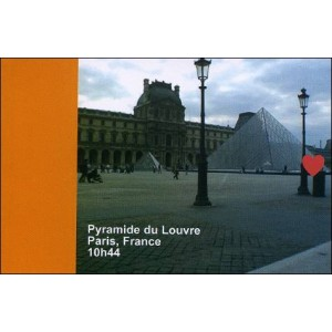 Flipbook : 10h44 - La Pyramide du Louvre - Paris France