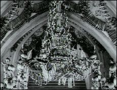 The Ossuary (Kosnice - 1970) - a film by Jan SVANKMAJER - picture